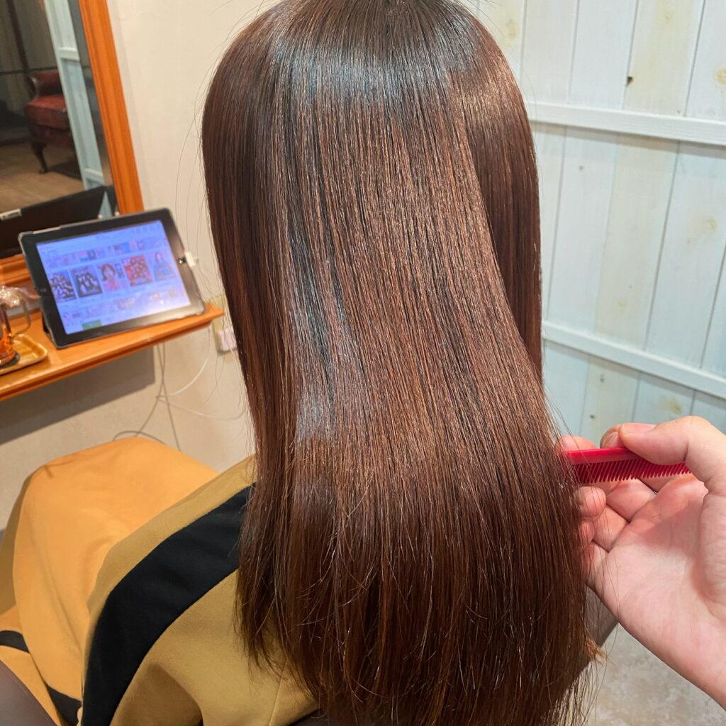 髪質改善ストレートをされたお客様の写真です